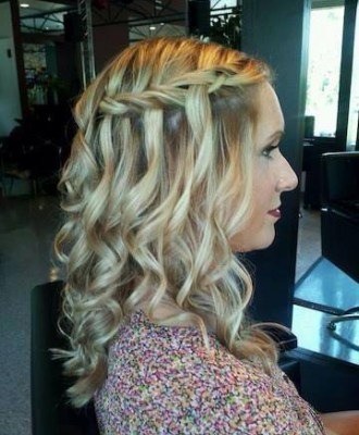 CurlyBlondeStyle
